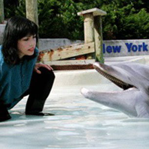 Diana Reiss and a dolphin