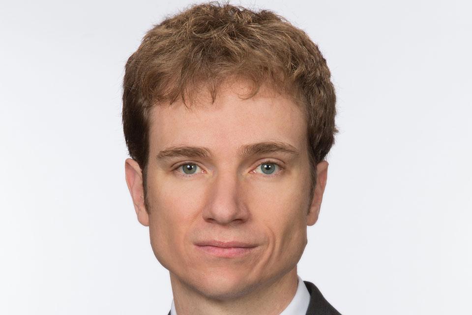 Former Schell Fellow Nick Robinson Directs Program on U.S. Civil Freedoms